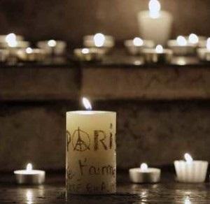 Rassemblement et recueillement a Lyon apres les attentats de Paris.